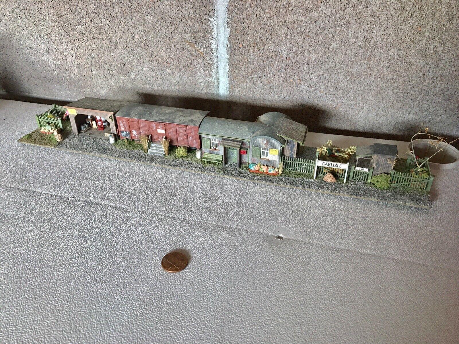 Egenbyggd billisle Depot diorama med massor av extra detaljer