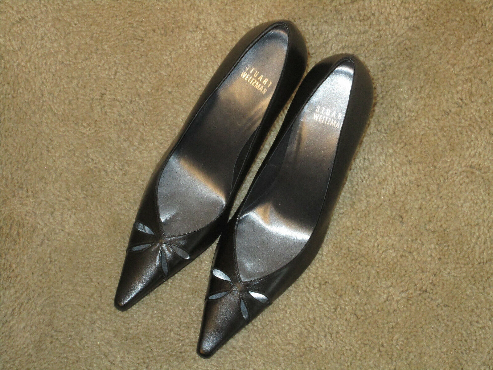 New Stuart Weitzman, pointed toe,  black leather pumps size 9M with 4  heels
