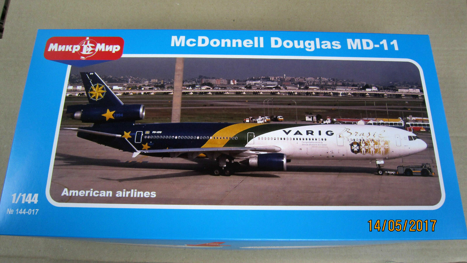 Mikro-mir 144-017 - 1 144 McDonnell Douglas MD-11 Airlines of America, model kit