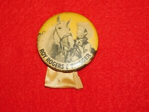 VINTAGE-PINBACK-BUTTON-WESTERN-COWBOY-amp-HORSE-ROY-ROGERS-amp-TRIGGER