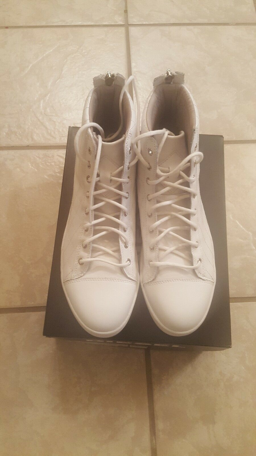 Diesel para hombres zapatos tenis Diamond acolchado blancoo Talla 9