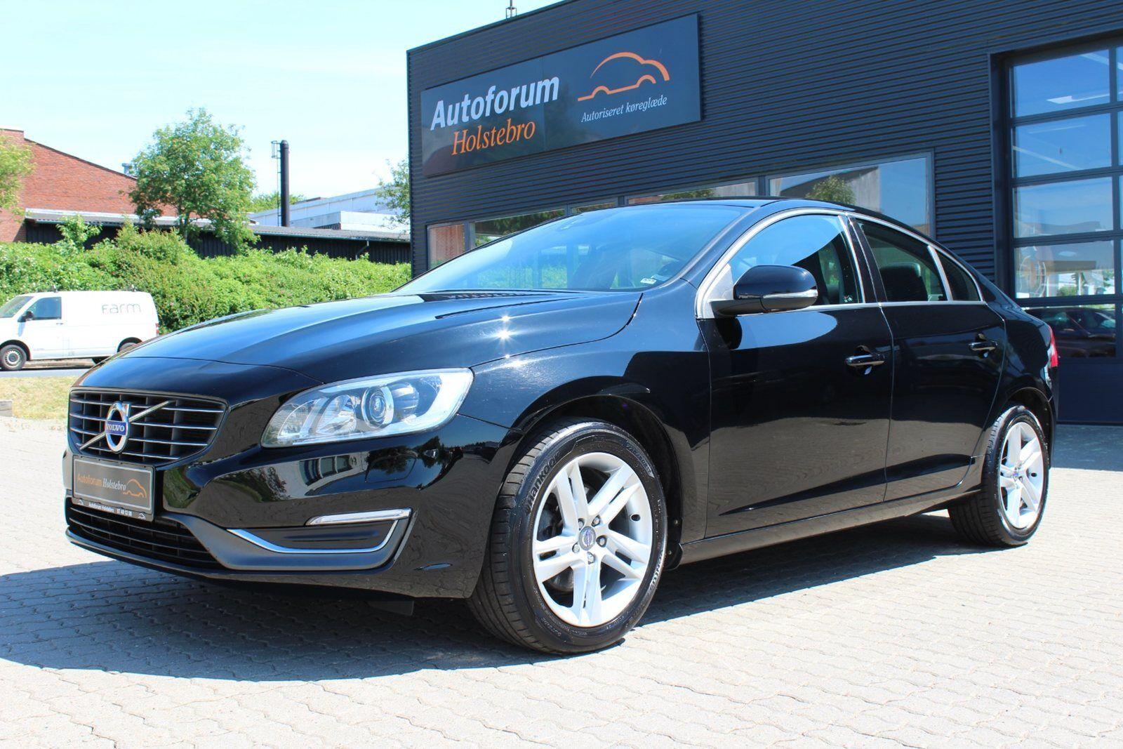 Volvo S60 2,4 D5 215 Momentum aut. 4d - 269.800 kr.