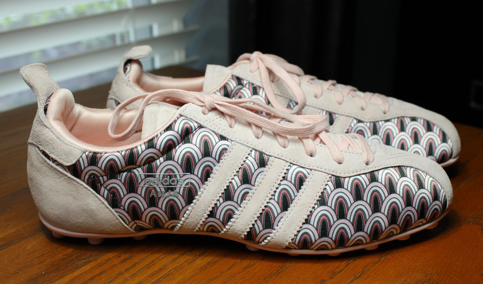 RETRO 2018 ADIDAS ANJA SOFT PINK SUEDE & PRINT CLEATS WOMENS SIZE 8 US WORN ONCE