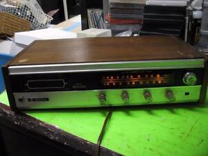 Vintage-JVC-Nivico-9800-AM-FM-Stereo-Radio-8-Track-Player-wie-Teile-Reparatur
