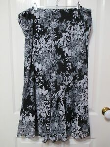 Millers-long-floral-black-and-white-flared-skirt-size-42-inch-waist-52-hip