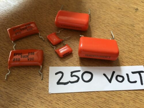 Metallised Polyester Film Dipped Capacitors 100-2000 Volts  3.3-680 nF Z3233