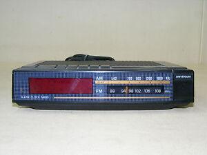 Old-Universum-Fm-Watches-Radio