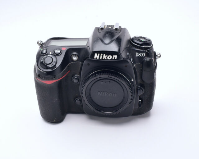Nikon D300 12.3MP Digital SLR Camera Black Body Only DX READ (#7306)
