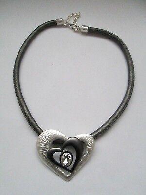 Kette Collier Halskette Grau Silber Strass Leder Herz Halsreif Armbänder Modeschmuck