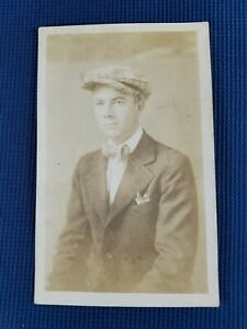 Vintage-Real-Photo-Post-Card-Well-Dressed-Gentleman-In-Newsboy-Cap-AZO-1910-039-s