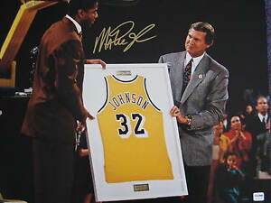 bc5c2ec53eb Magic Johnson Los Angeles Lakers signed Auto 16x20 Photo PSA/DNA COA ...