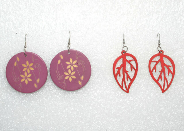 Ladies Vintage Dangle Earrings Lot of 2 Wooden Flowers and Leaf Nature Designs
