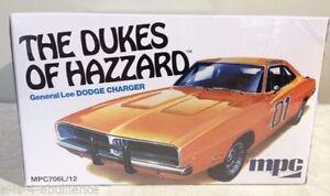 HAZZARD Modello Auto Kit Montaggio GENERALE LEE 1969 Dodge Charger 1//25 MPC
