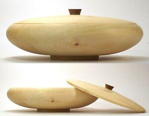 Deckelschale  aus Zirbenholz ca. 30 x 10 cm