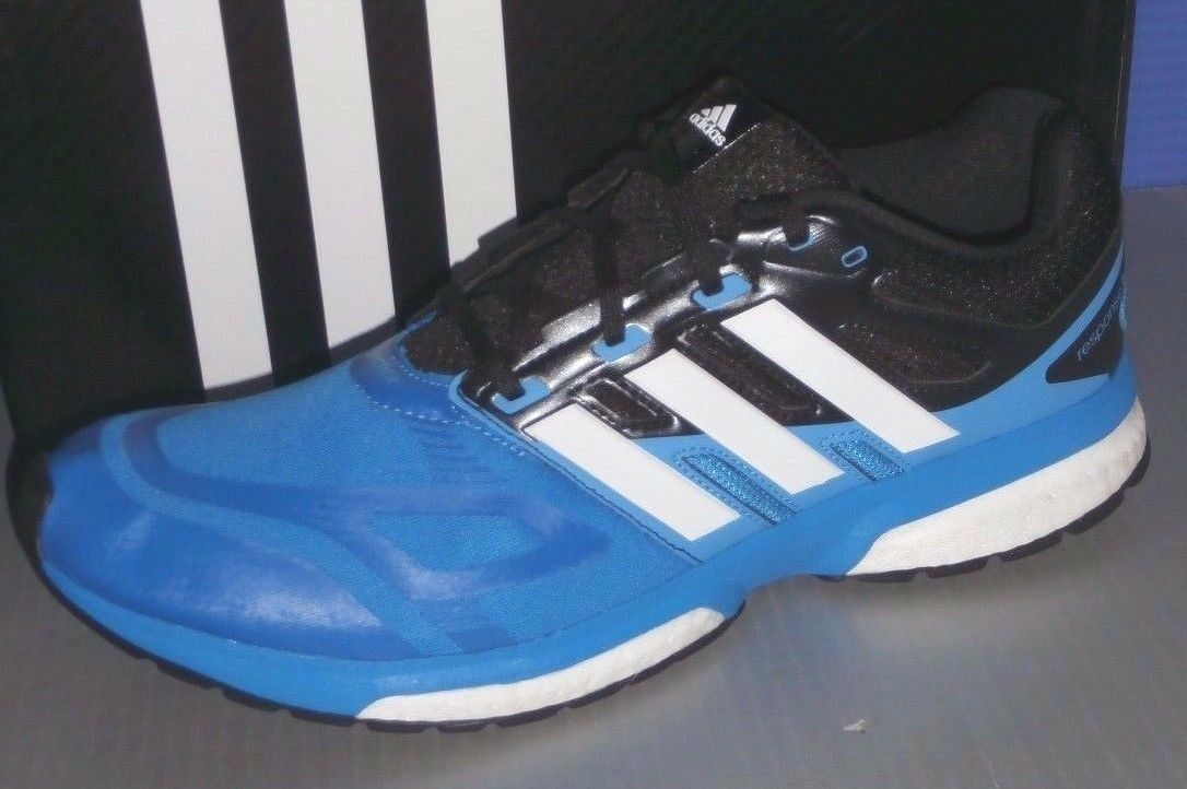 MENS ADIDAS RESPONSE BOOST TECHFIT M in colors BLUE / WHITE / BLACK SIZE 8