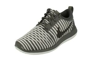 online retailer 5b9a2 1c5a6 Image is loading Nike-Womens-Roshe-Two-Flyknit-Running-Trainers-844929-