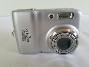 Nikon COOLPIX L4 5.1MP Digital Camera - Silver *GOOD/tested*