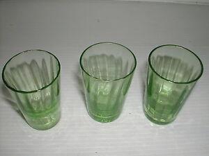 * Lot De 3 Verres Vert Avec Une Etoile Dans Le Fond