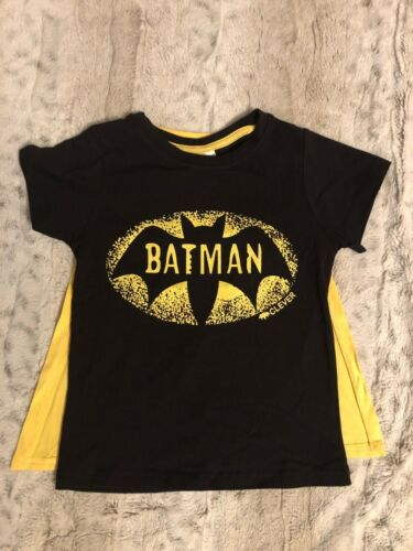 BATMAN OR SUPERMAN TSHIRT WITH REMOVABLE CAPE