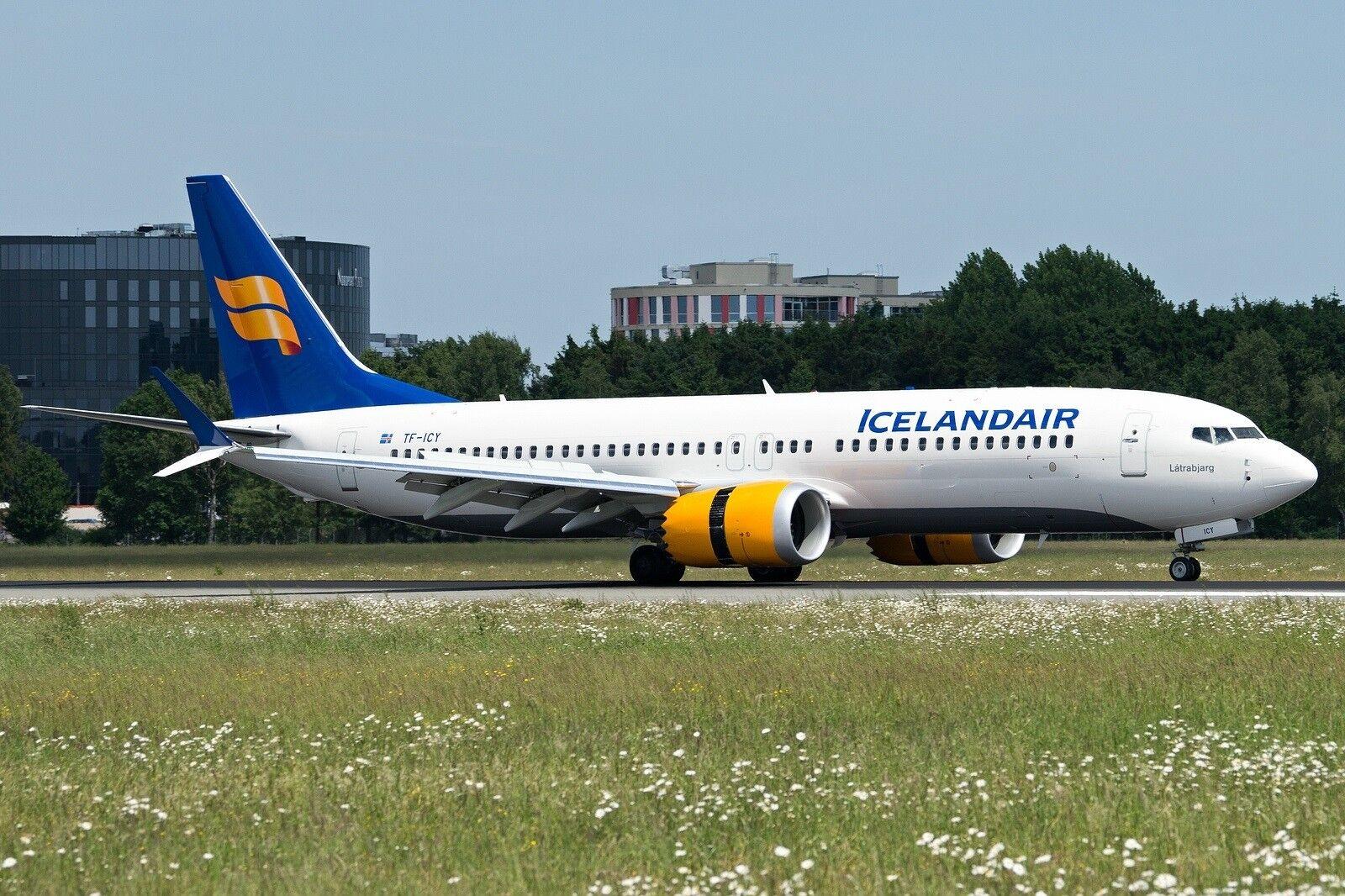 Fliegender 200 If738maxfi001 1 200 Icelandair Boeing 737-8 Max