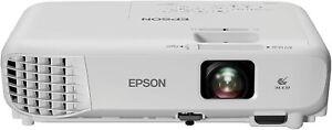 TOP High End Full HDTV Beamer Epson EB S05 mit 3.200 AnsiLumen @Full HD komp.