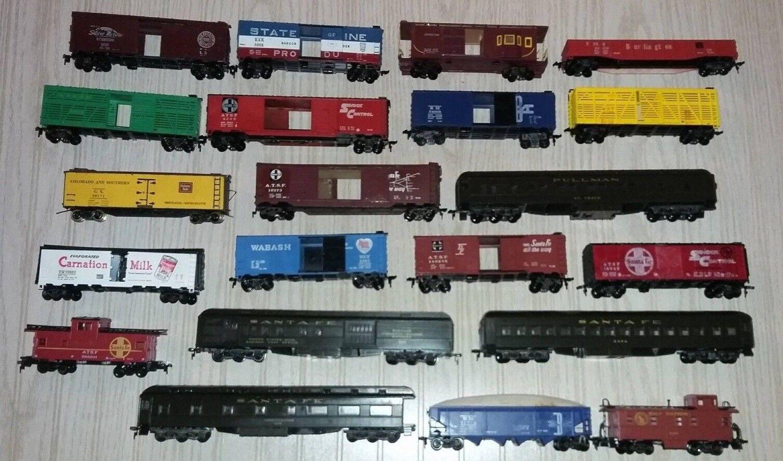 Vintage Athearn Streamline Passenger Series - Set of 21 Pieces