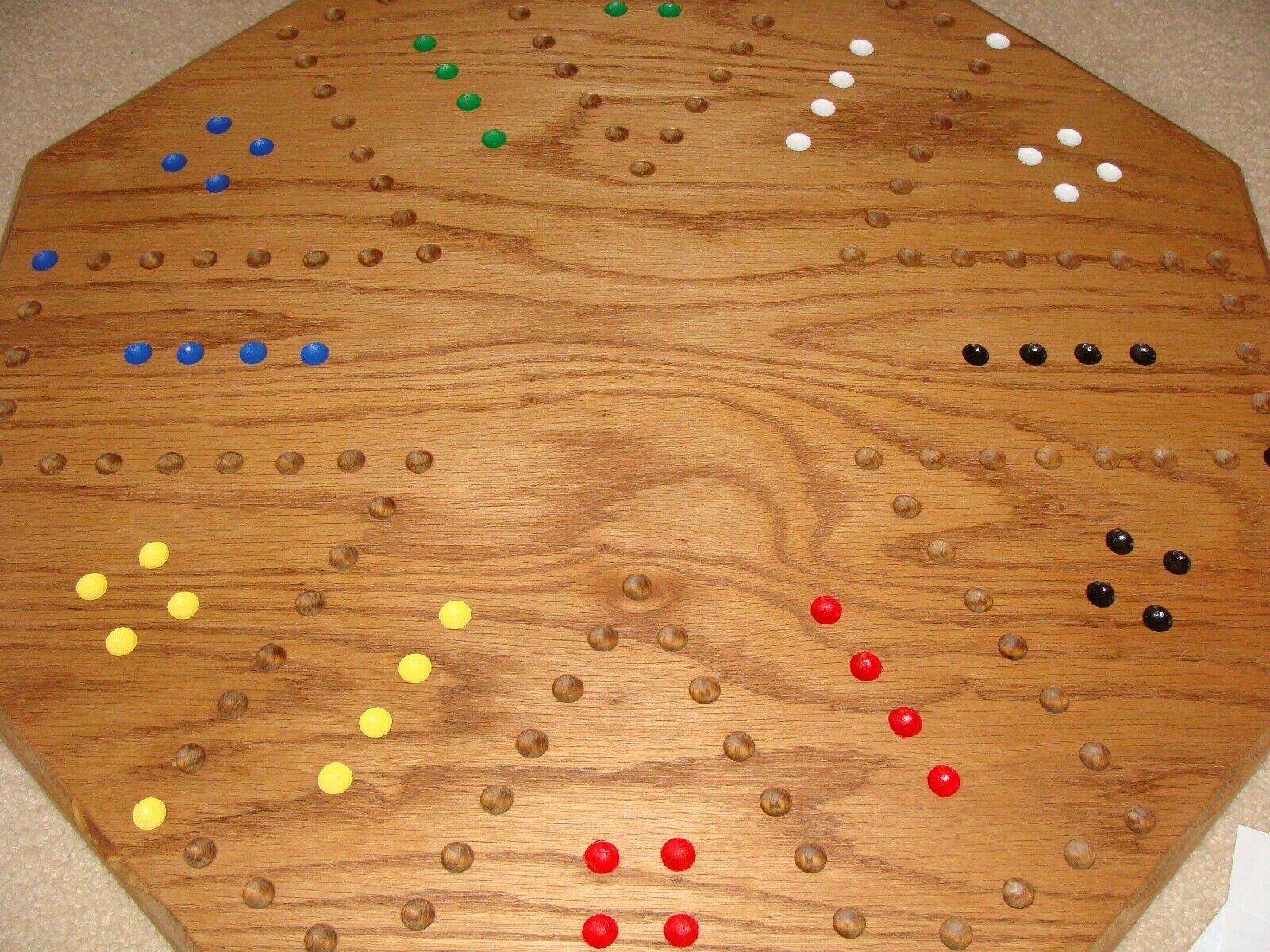 Hand Crafted Carbles Board Game. rot Oak. 4 or 6 Players