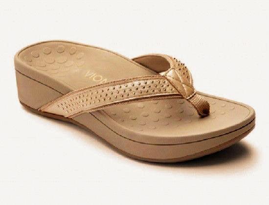 NEW VIONIC Women's Kehoe Wedge studded Platform Flip Flops BEIGE gold Size 9