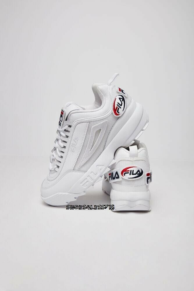 NEW MENS CLASSIC FILA DISRUPTOR 2 PATCHES PREMIUM Weiß CROSS TRAINING Turnschuhe