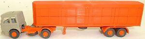 Transportador-de-animales-cerrado-Deutrans-naranja-sin-imprimir-Semirremolque