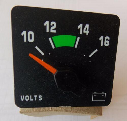 Volt Meter New in Box 4 pin International OEM Part # 3514875C1 Gauge