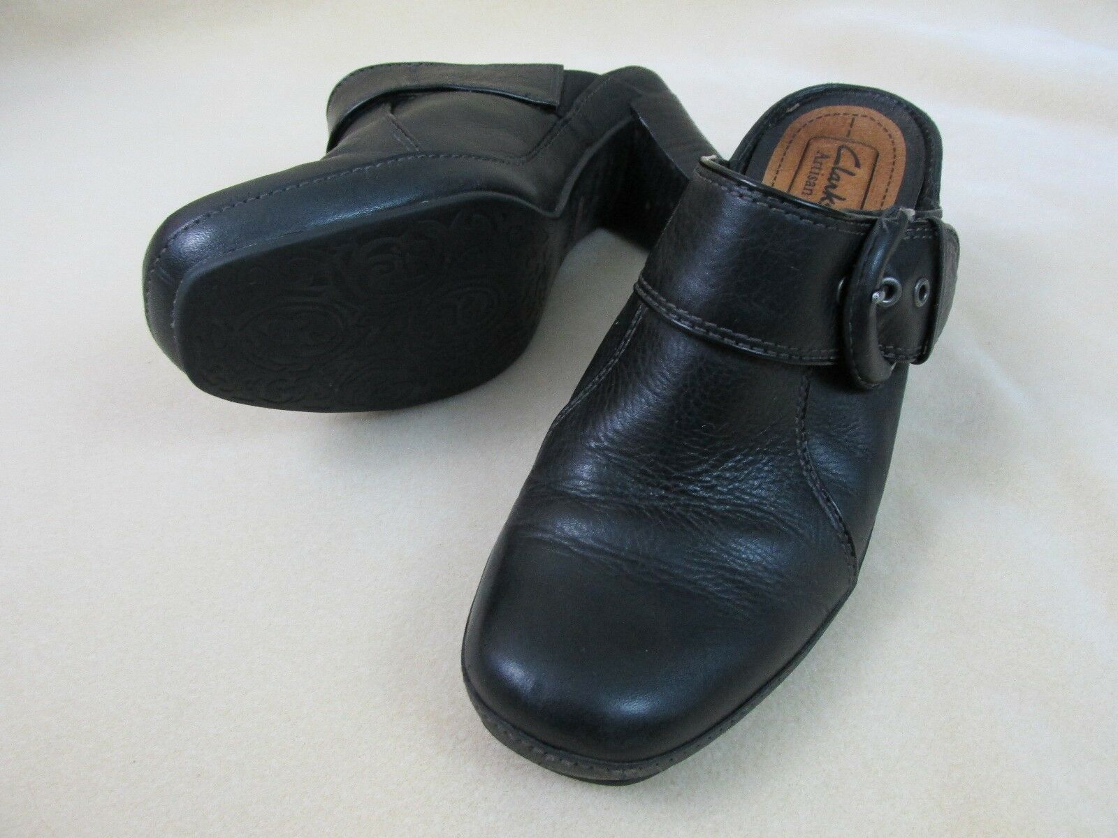 Clarks Artisan Womens Size 7.5 M Black Leather Mule Slides Heels Buckle  A12