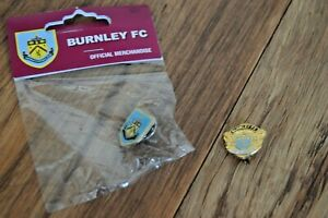 2 x BURNLEY FC Badge Badges COLLECTION Football Club FREE ...