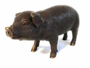 Bronzeskulptur-suesses-kleines-Ferkel-Schwein-Gartendekoration-aus-Bronze