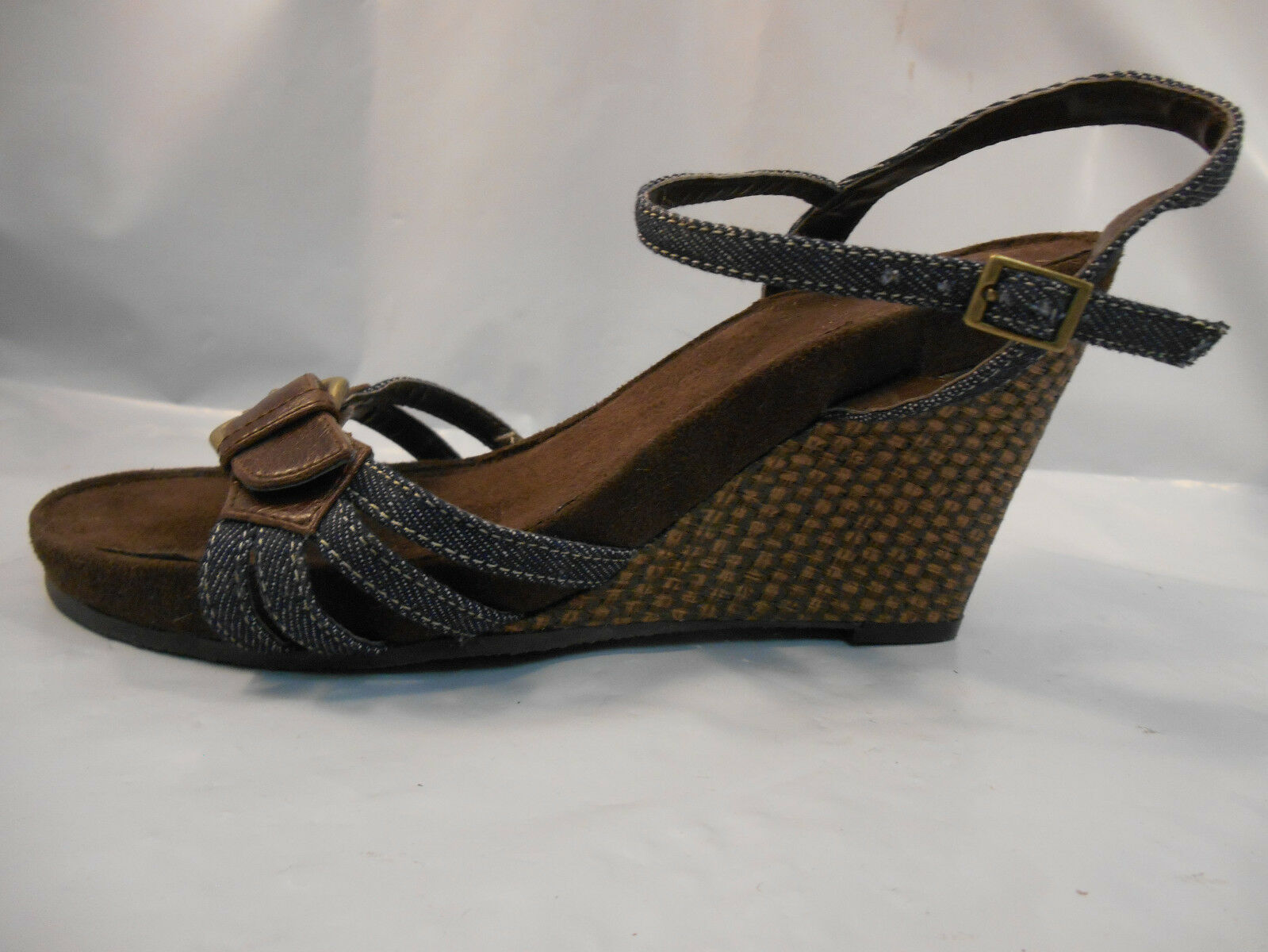 585fa398758 Bass Brown and Blue Denim Wedge Heels Sandals Women s Size 7 M - aijaz.info