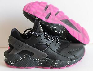 NIKE  WOMEN'S AIR HUARACHE PREMIUM ID BLACK/white/pink  SZ 6.5   [777331-992]