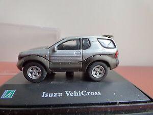 Hongwell-Cararama-ISUZU-VEHICROSS-4x4-00-Gauge-Diorama-display-auto-giocattolo-1-72
