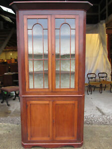 19th C mahogany glazed 2 part corner cabinet with shelves and cupboard (572)