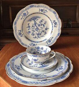 Haviland-Limoges-034-Arbre-Bleu-034-5-Piece-set-1958-Blue-tree-and-gold-trim