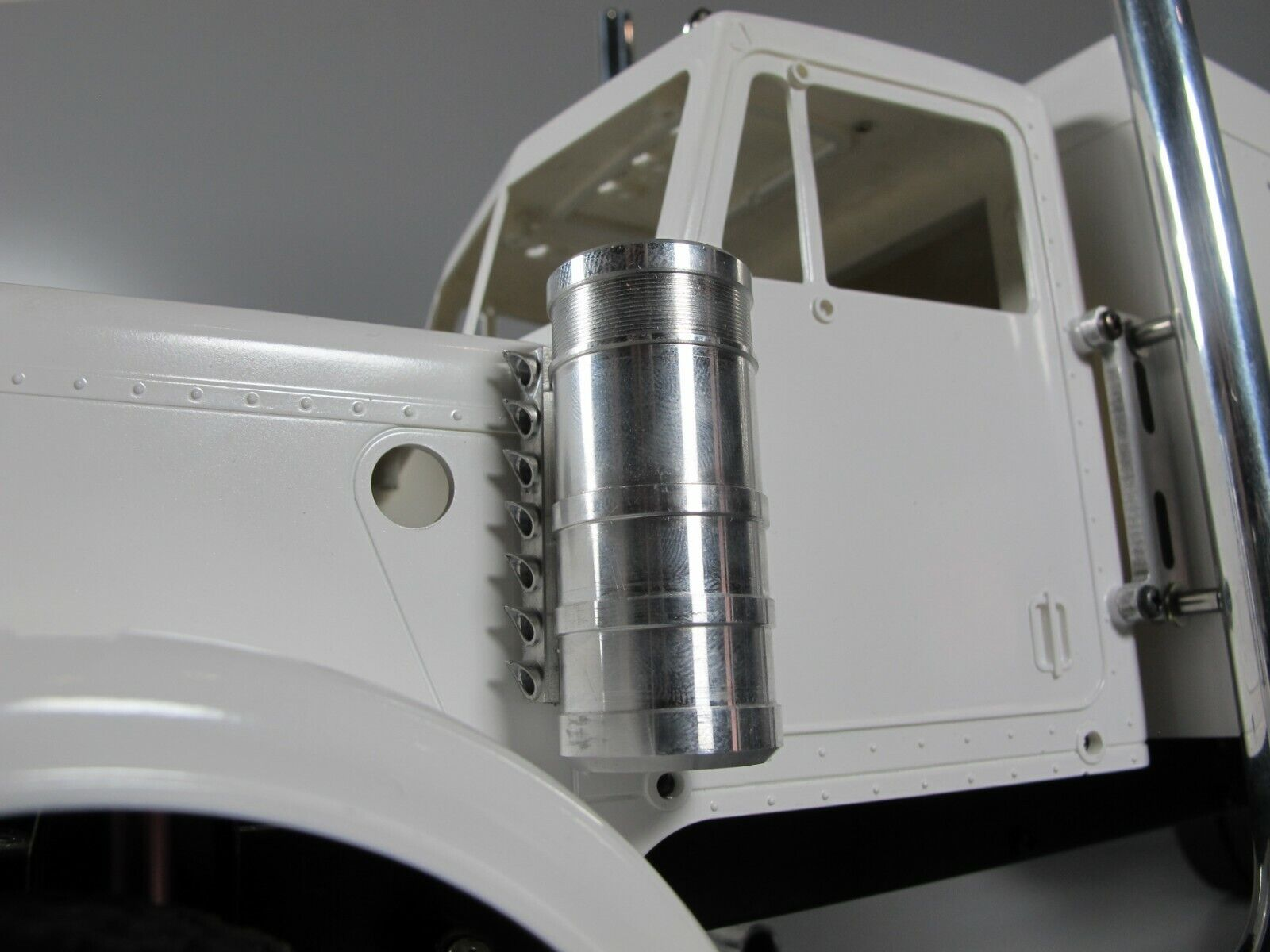 prima i clienti Pair Aluminum Side Side Side Air Cleaner Intake Tank for Tamiya 1 14 re Gre Hauler  molto popolare