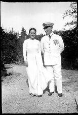 mariage jeune femme homme officier  - Ancien négatif photo an. 1930