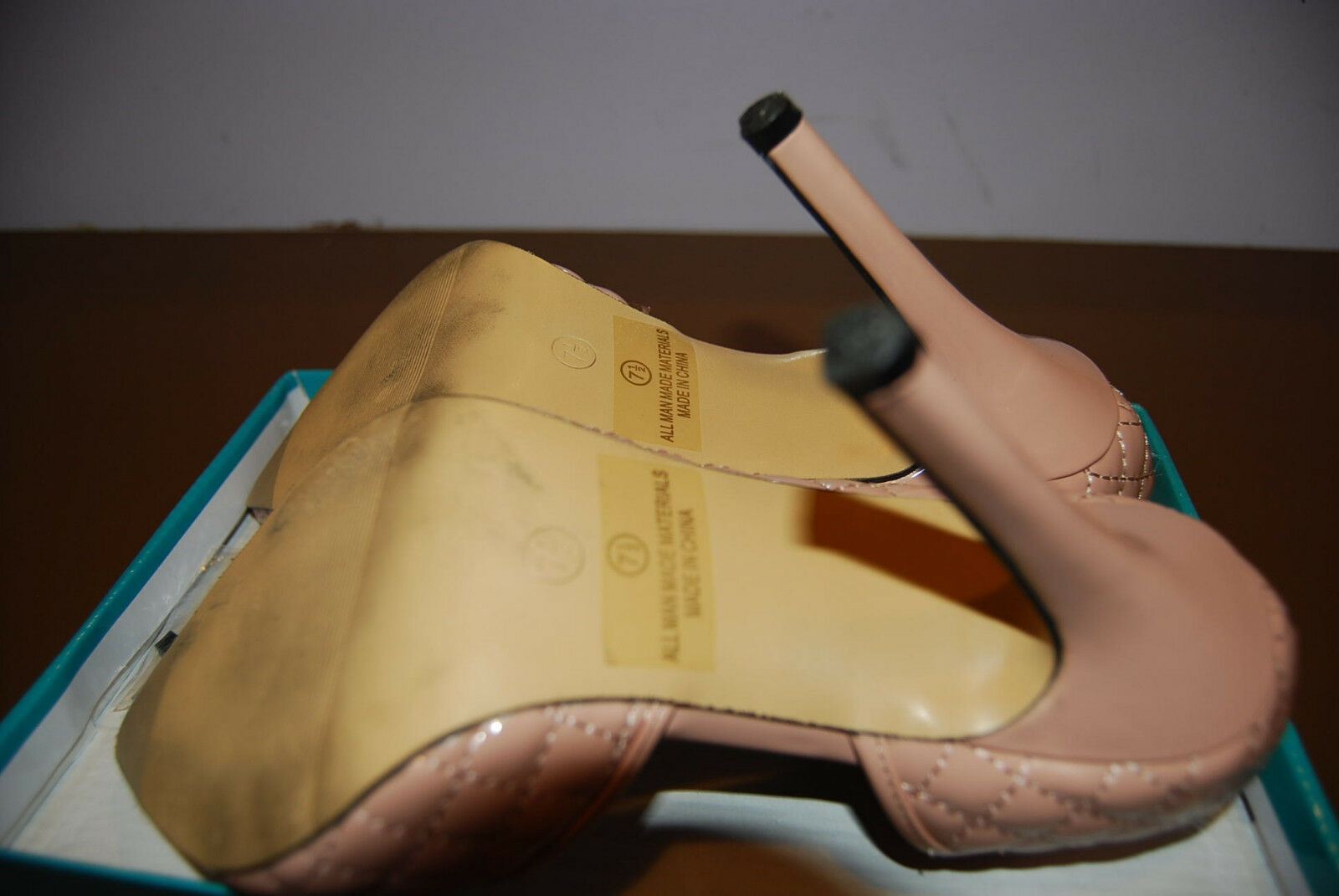 Easos Geal Pink Pink Pink Quilted Pump Size US 7.5M - 3 Inch Heal - Have Box as well. 19a910