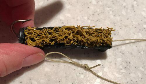 Package of 6 Black Skettiback Catfish Dip Bait Stinkbait Worms w// Single Hook