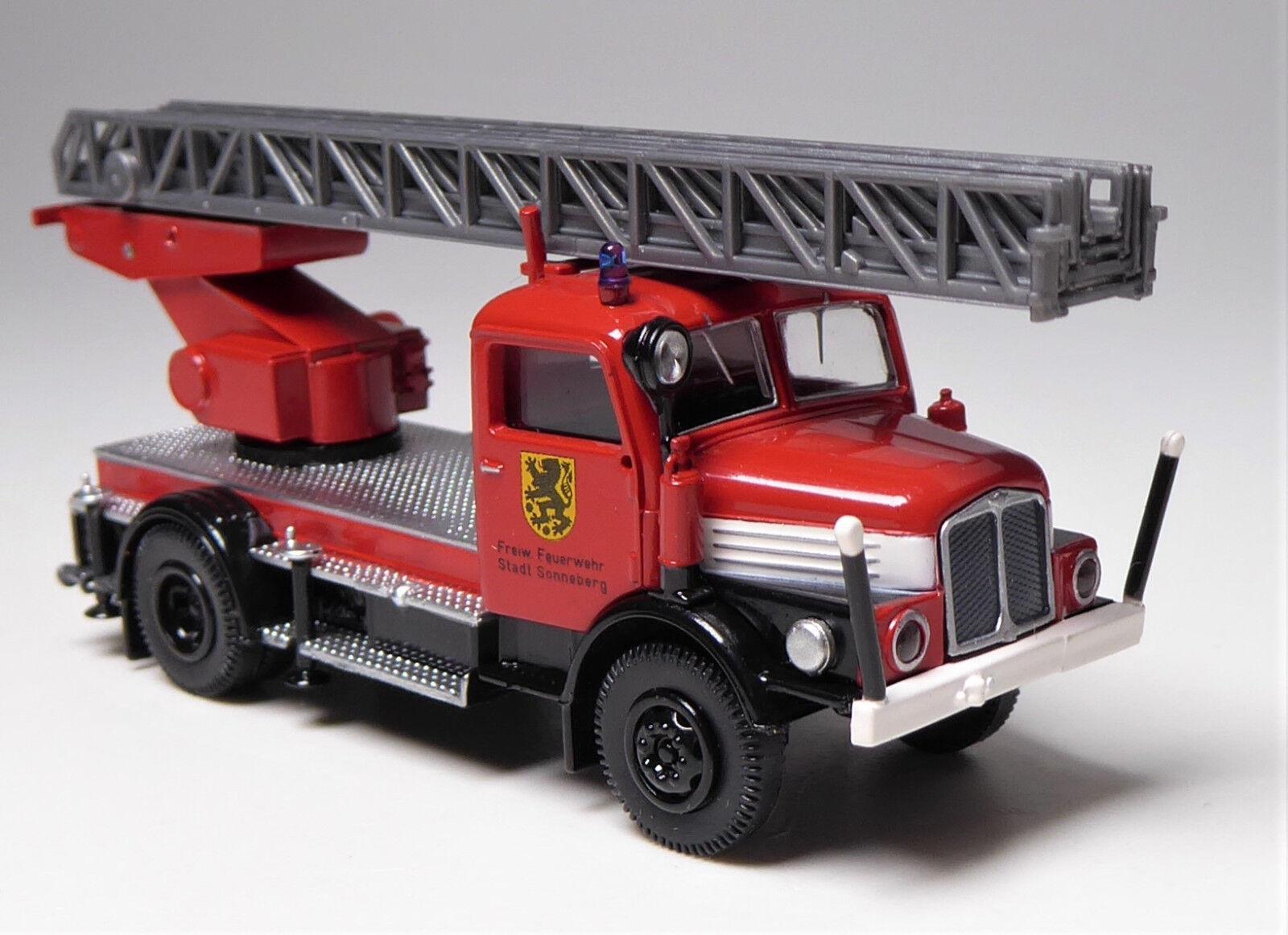 H0 BREKINA BREKINA BREKINA IFA S 4000-1 Drehleiterfahrzeug DL 25 Feuerwehr Sonneberg DDR 17239e