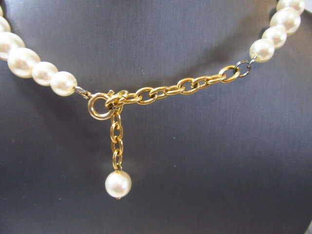 Victorian Dainty knitted pearl choker necklace small imitation pearl crochet necklace.