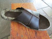 Cushe Argos Slide Sandals Mens 7 Brown Leather Free Ship