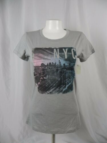 A1-30 NEW Aeropostale Women/'s Gray NYC City Scape Graphic T-Shirt