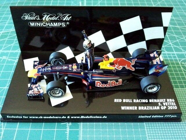 Sebastian VETTEL - MINICHAMPS 413100205 - RED BULL RB6 - WINNER BRAZILIAN 2010 -