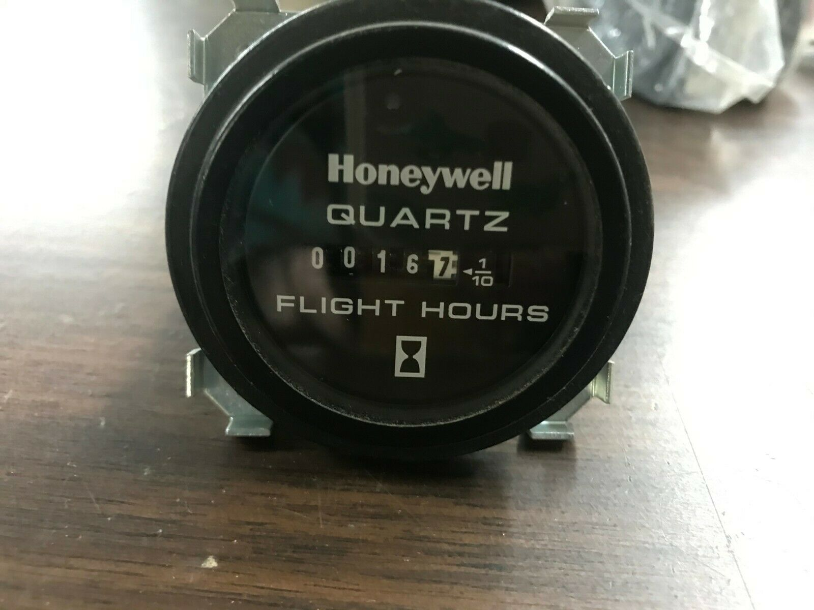 Honeywell Aircraft Hobbs HOUR METER//2 ROUND//4 HOLE FREE SHIPPING