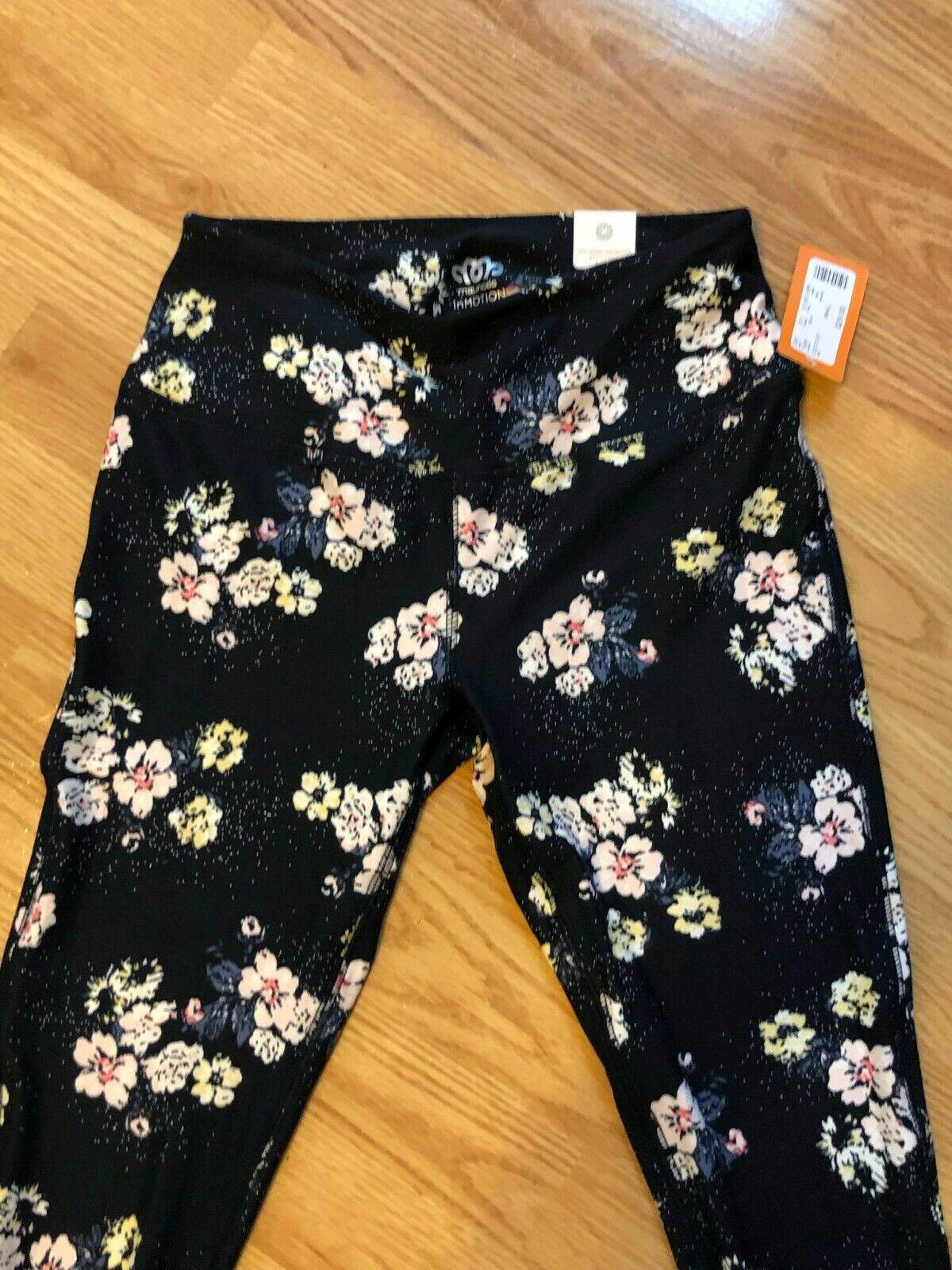 NWT Maurices In Motion Juniors Navy Floral Leggings Size Small - 7/8 Length